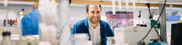 Alexander Marson, STAR grantee in lab